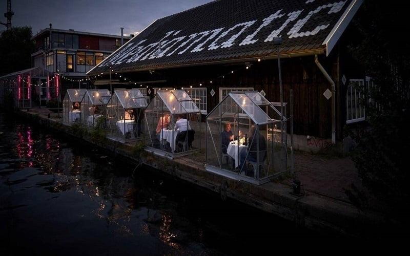 От 21 май, холандски ресторант с оригинално решение за социално дистанциране по време на Covid-19